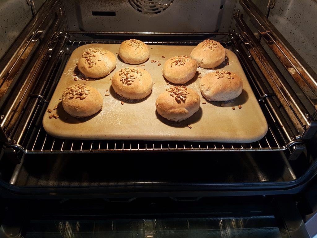 Brötchen im Ofen