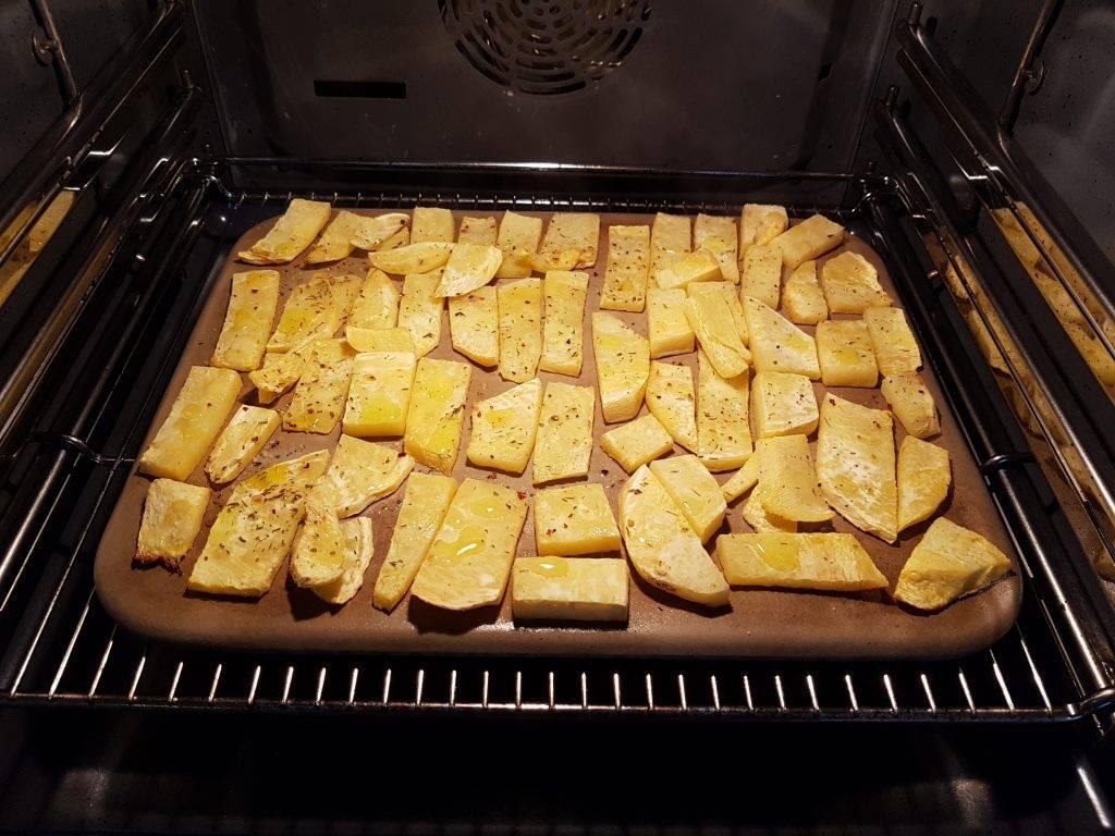 Steckrübenpommes im Ofen